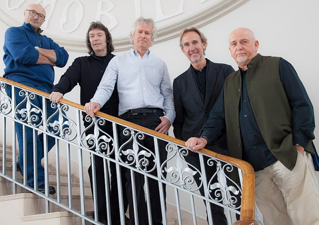 Phil Collins, Steve Hackett, Tony Banks, Mike Rutherford, and Peter Gabriel in GENESIS SUM OF THE PARTS. Copyright: Eagle Rock Film